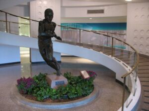 Jim Thorpe statue in the hopelessly dated atrium of the Pro Football Hall of Fame.