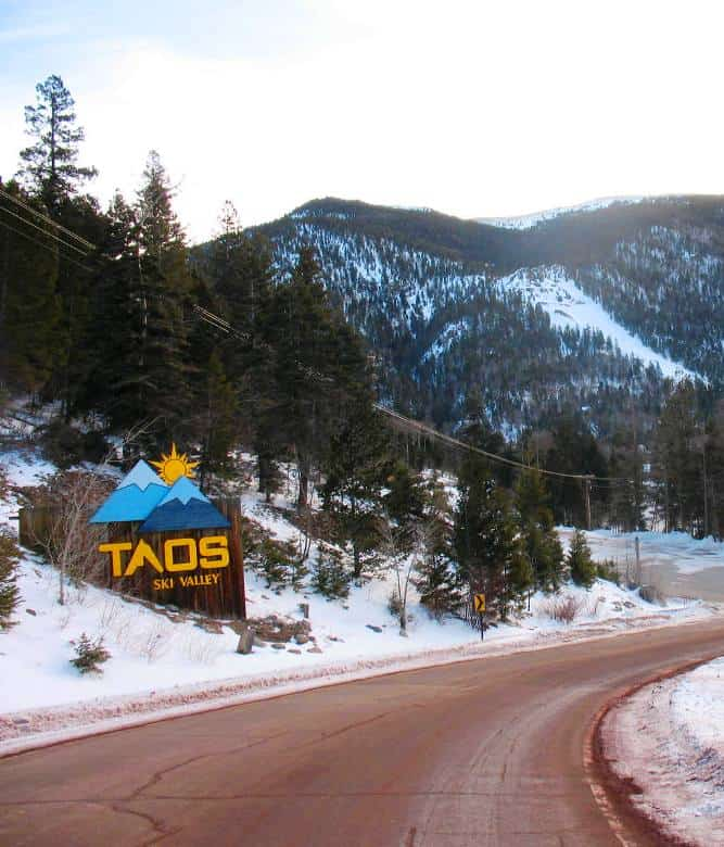 black single women in taos ski valley Taos, nm — authorities said wednesday that they were seeking a parolee believed to have stolen a car belonging to one of two women slain in the last week police said both women lived alone prosecutor donald gallegos issued a warning to people in the area, especially single women, to be extra vigilant.