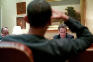 Geithner and Obama in a meeting