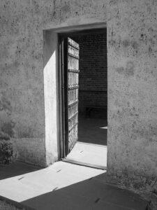 Isham Lewis escaped when the jail door was left open.