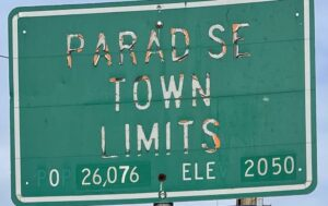 Paradise town limits sign