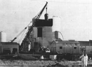 Reactor vessle being removed